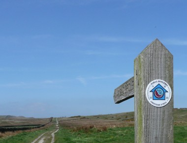 Dales High Way waymark at Draughton Height