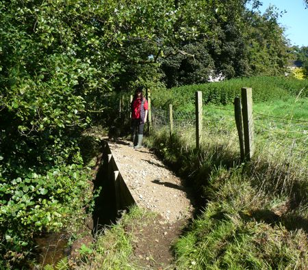 Footpath improvements by Glovershaw Beck
