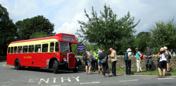 1960s vintage bus ferries Dales Way walkers back to Ilkley, Aug 3 2019