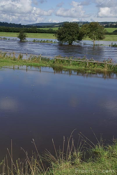 Flooding in the Yorkshire Dales - photo: freefoto.com