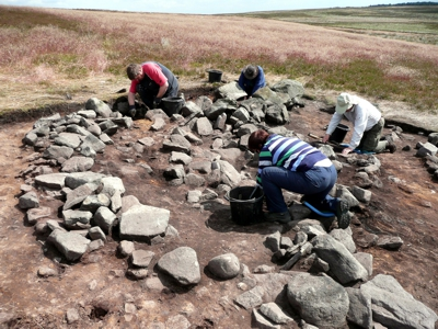 Mysterious Bronze Age walled oval feature on Stanbury Hill